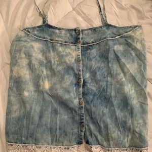 Plus-size women's shirt